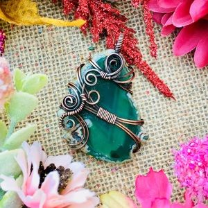 Druzy green onyx agate wire wrap pendant necklace